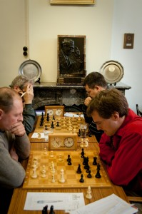 On the right: Pere and Thomas winning their games