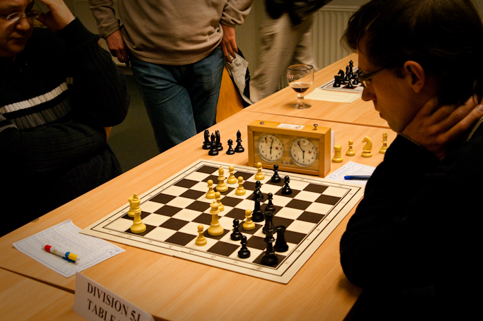 One move before black has offered draw but Pere rejected and played Rf1-g1